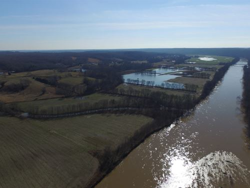 32 Acres On The Duck River : Hurricane Creek : Humphreys County : Tennessee