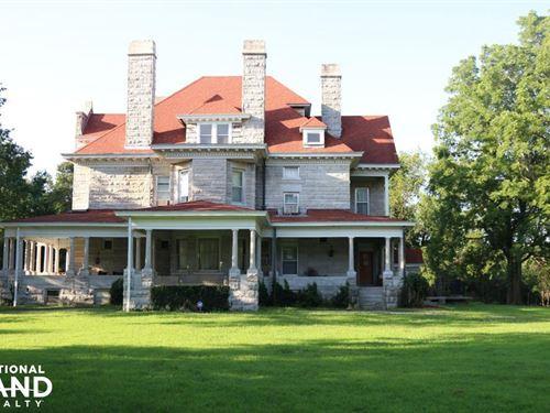 Historic Home & Private Lake Near : Carthage : Jasper County : Missouri
