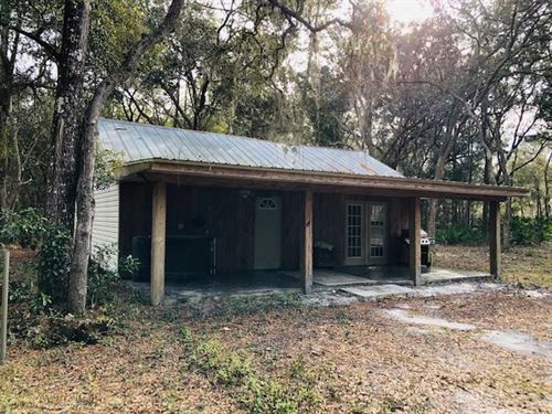1/1 Cabin On 5.04 Ac 777186 : Chiefland : Levy County : Florida