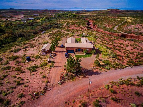 Acreage Southern NM Creek Frontage : Tularosa : Otero County : New Mexico