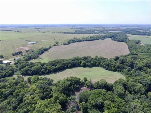 278 Acres of Prime Hunting And Far : Council Grove : Morris County : Kansas