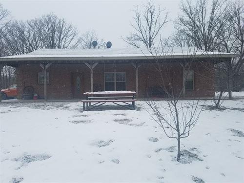 3 Br, 2 BA Country Home Acreage : Williamsburg : Callaway County : Missouri