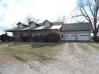 Horse Cattle Farm Ozark Mountain : Harrison : Boone County : Arkansas