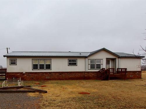 40 Acres 3 Bedroom 2 Bath Home Just : Leedey : Roger Mills County : Oklahoma