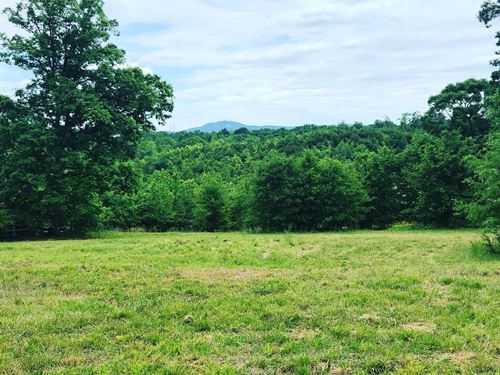 Private Homestead, Mountain Views : Greenville : South Carolina