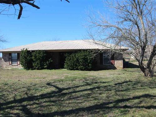 Country Home & Land Property Paris : Paris : Lamar County : Texas