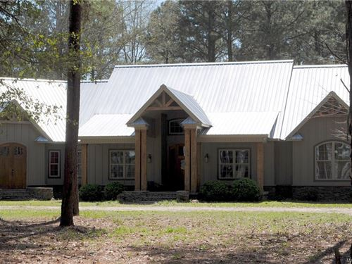 Beautiful Custom Home On 10.66 Acs : Lowndesboro : Lowndes County : Alabama