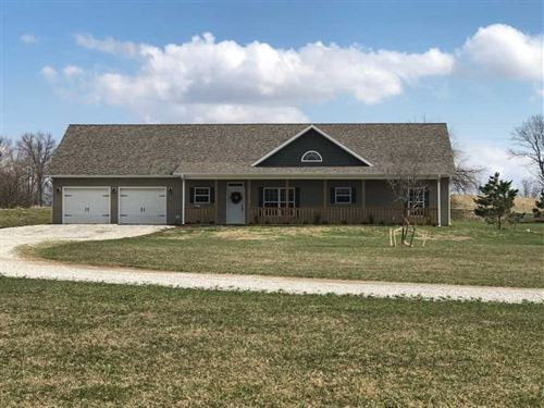 Newly Constructed Home on 5 Acres : Clinton : Henry County : Missouri