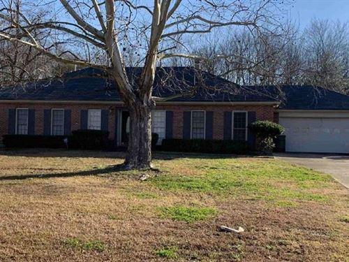 4Br 2Ba 1,994 sf Single-Famil : Montgomery : Alabama