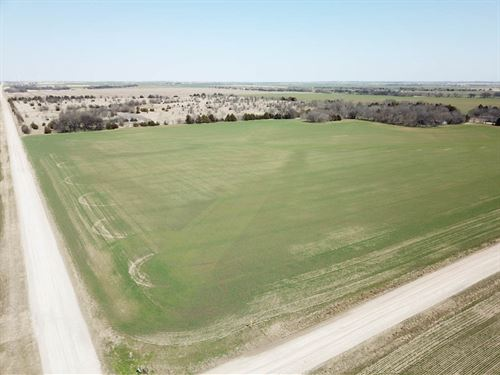 160 Acres Farmland, Ponds & Mineral : Billings : Noble County : Oklahoma