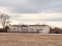 Home, Air Hangar & Acreage Auction : Greenfield : Dade County : Missouri