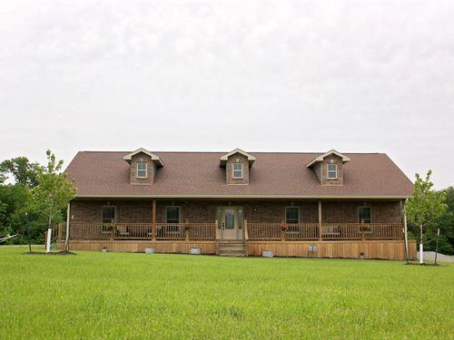 Designer Home on 5 Acres For Sale : Chillicothe : Livingston County : Missouri