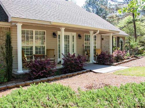 Absolutely Beautiful Home Nestled : Grady : Montgomery County : Alabama