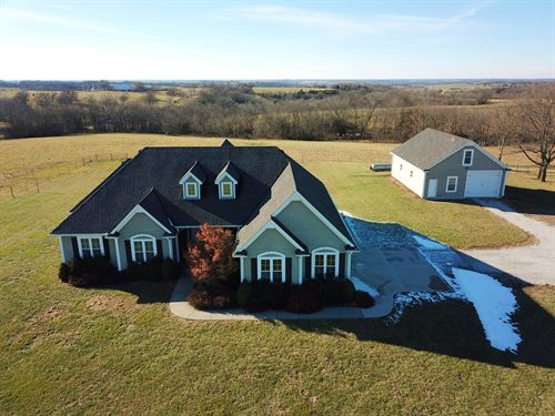Braymer MO Country Home & 5 Acres : Braymer : Carroll County : Missouri