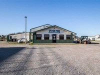 5.88 Acres With Building For Sale : Poplar Bluff : Butler County : Missouri