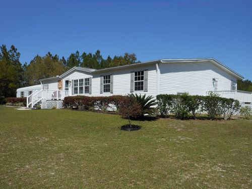 Immaculate Manufactured Home : Mayo : Lafayette County : Florida