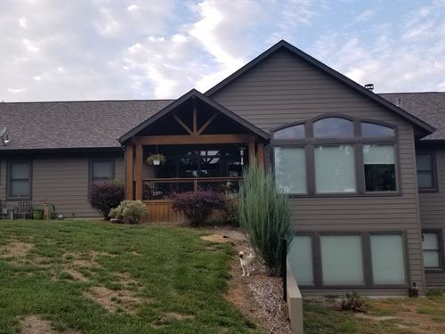 Country Home, Heated Shop, 5 : Slater : Saline County : Missouri
