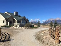 8094602-Meticulously Maintained Log : Salida : Chaffee County : Colorado