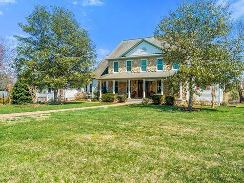 Custom Home Full Finished 3 Levels : Culpeper : Virginia