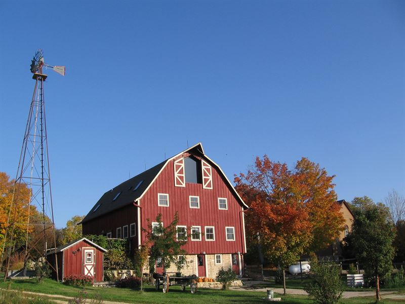 Restored 1914 Barn : Farm for Sale : Evansville : Rock ...