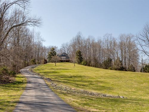A One Kind Home Breathtaking Views : Lynnville : Giles County : Tennessee
