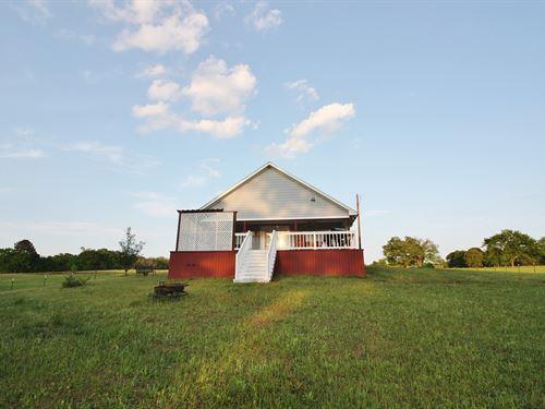 Home on Acreage in Leon County, TX : Jewett : Leon County : Texas