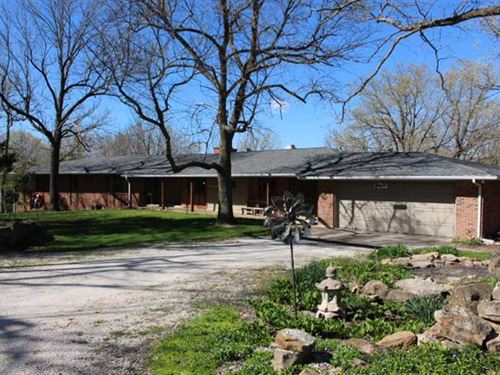 Large Ranch Home on 60 Wooded Acre : Millersburg : Callaway County : Missouri