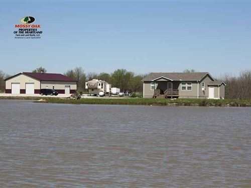 25 Acres With Cabin : Chanute : Neosho County : Kansas