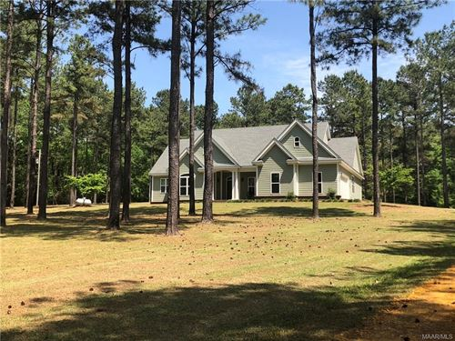 Country Home On 14.5+/- Acres : Honoraville : Butler County : Alabama