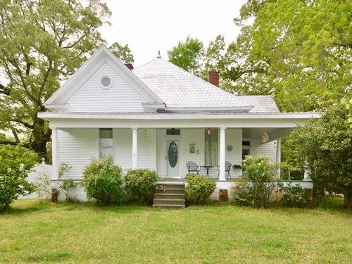 Farmhouse Located Somerville : Somerville : Morgan County : Alabama
