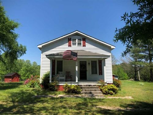 10.5 Acres of Residential Farm And : Hollister : Halifax County : North Carolina