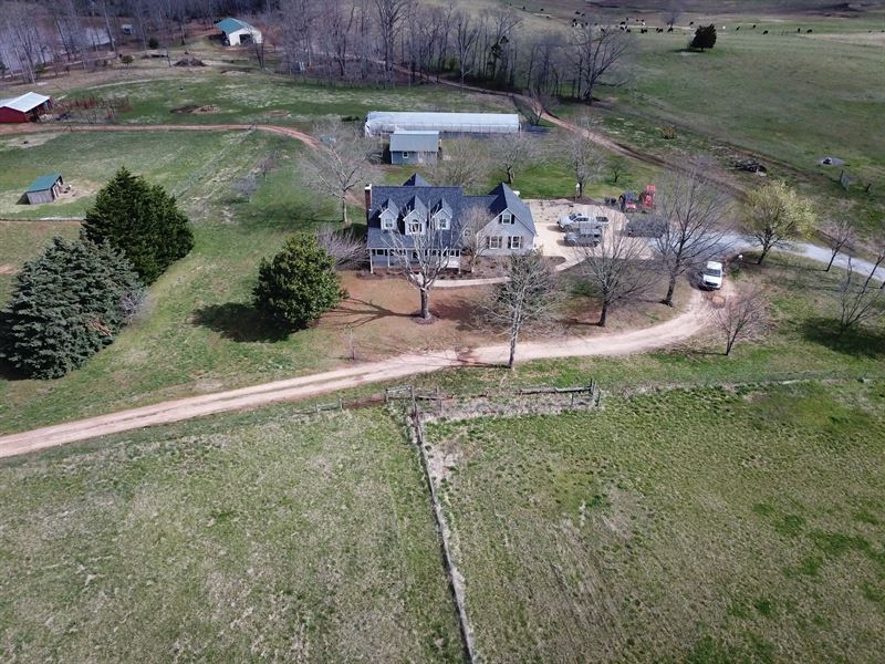 Working Farm In Western Nc : Rutherforton : Rutherford County : North Carolina