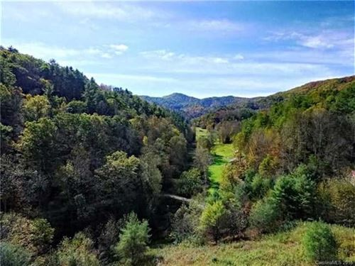 10 Acres Lakefront, Some of The Be : Waynesville : Haywood County : North Carolina