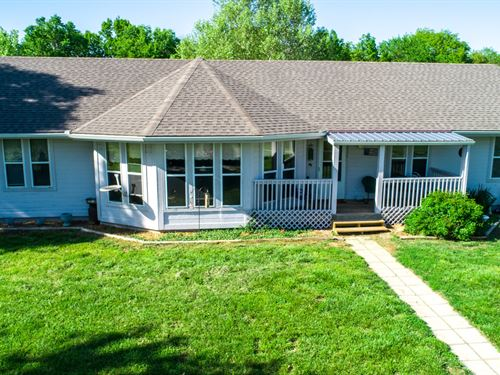 Home Beautiful Acreage, Cass County : Creighton : Cass County : Missouri