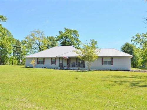 Country Home With Acreage, Pond For : Bogue Chitto : Lincoln County : Mississippi