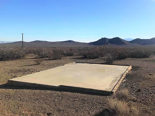 Beautiful Lot, Power, Good Access : Adelanto : San Bernardino County : California