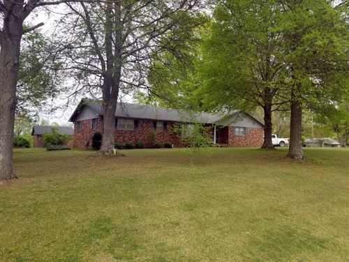 Beautiful Home, Shop On 16 Acres : Milan : Gibson County : Tennessee