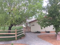 Nicely Maintained Home East : Montrose : Montrose County : Colorado