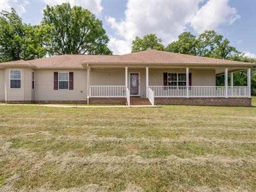 Custom Built Home Acreage, Giles : Lynnville : Giles County : Tennessee