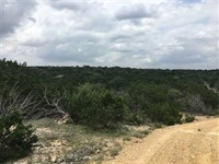 1,710 Acre Hunting Ranch With Wind : Del Rio : Val Verde County : Texas