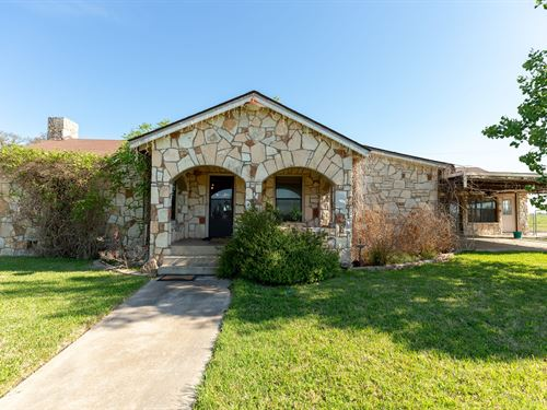 Hill Country Home, Ingram TX : Mountain Home : Kerr County : Texas