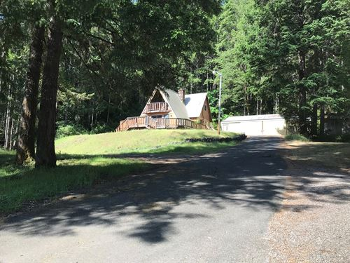 Cabin For Sale in Agness Oregon : Agness : Curry County : Oregon