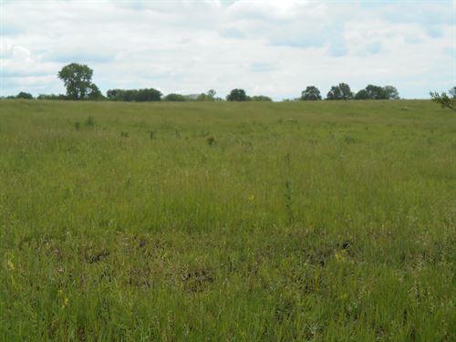 Cameron MO 20 Pasture Ac & Building : Cameron : Clinton County : Missouri