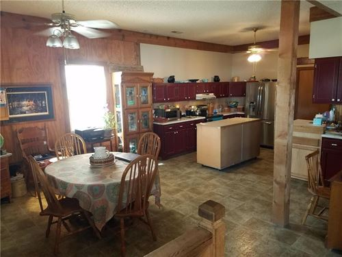 2 Story Barn Shaped Home, 3-5 Beds : Savannah : Andrew County : Missouri