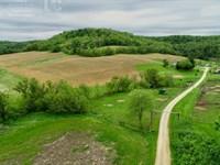 Remodeled Farmhouse Hunting Land : Hillsboro : Vernon County : Wisconsin