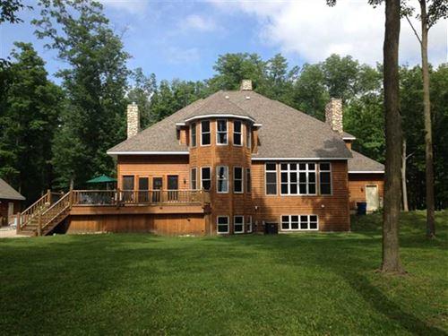Country Lake Home : Shell Lake : Washburn County : Wisconsin