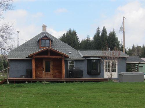 Hobby Farm + House Oneida County : Pelican Lake : Oneida County : Wisconsin