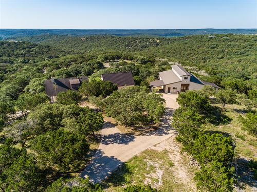 Hill Country Retreat : Hunt : Kerr County : Texas