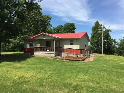 Lovely Country Home on 5.16 Acres : Seligman : Barry County : Missouri