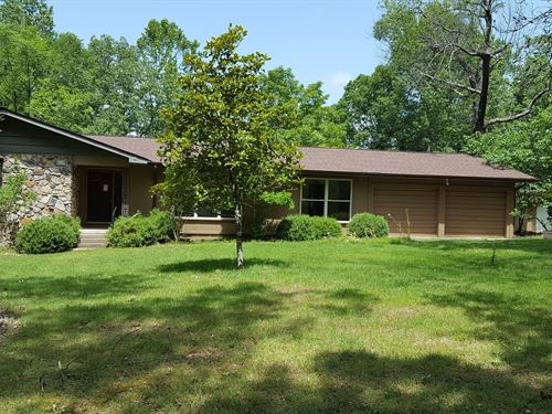 Lake Front Home Of 15 Acres : Flippin : Marion County : Arkansas